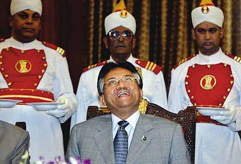 Pervez Musharraf Enjoying Army protocol in U.K