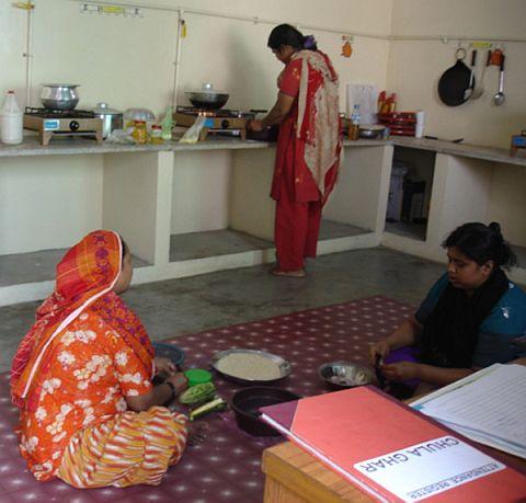 Cholha ghar at machar Colony.jpg