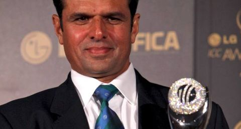 Aleem Dar won ICC Umpire of Year Award 2011