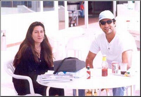 Huma and wasim Akram.jpg