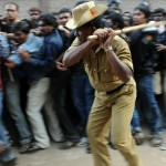 Only 4,000 tickets for the finals of Cricket World Cup 2011; Fans lathi-charged over tickets for India – England match