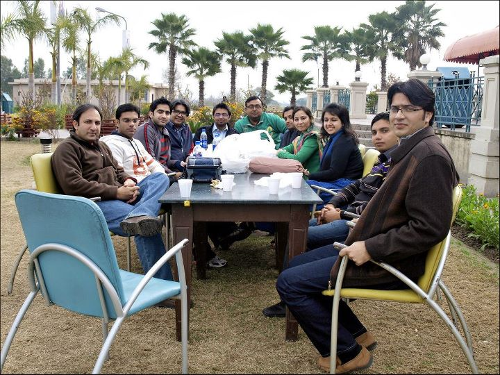 Bloggers and Social Media Activists on Pakistan Social Media Trip