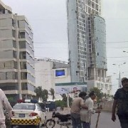 Sind policeman helping guy at clifton karachi 4