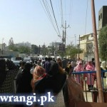 Dawood Public School endangering parents and students by gathering them on the road