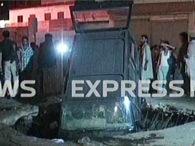 javed nagori car damaged lyari blast